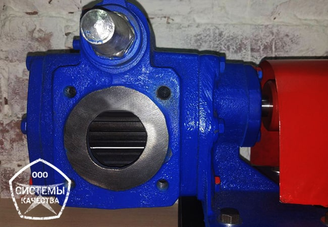 Насос НМШ масляный шестеренный на раме с двигателем. Установка в сборе